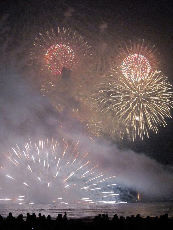 $オーラソーマ 総合情報サイト ブログ-鎌倉花火2012